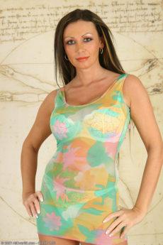 Sandra – AllOver30 Busty Mature Goddess