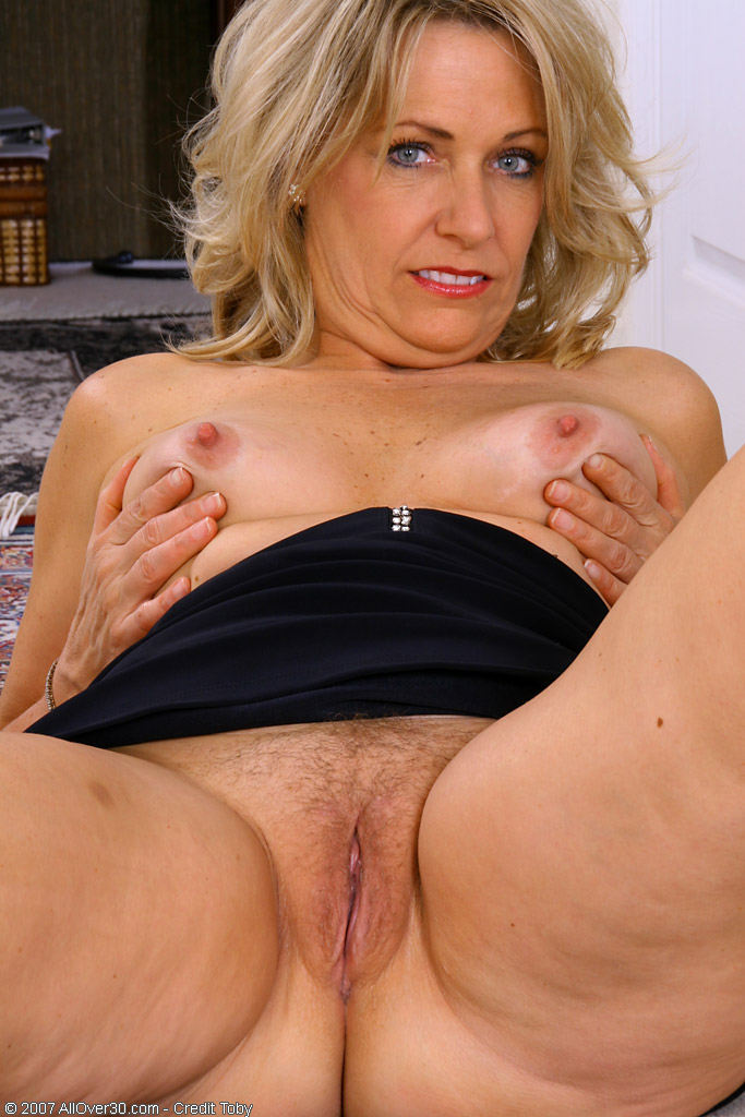 Beautiful mature women nude