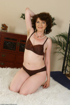 AllOver30 – Evelyn Has a Very Hairy Pussy