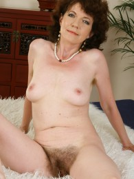 allover30 - evelyn has a very hairy pussy