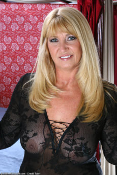 AllOver30 – Beautiful Mature Blonde Sunnie Is Horny