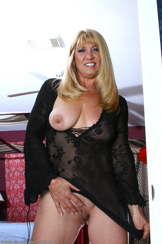 allover30 beautiful mature blonde sunnie is horny