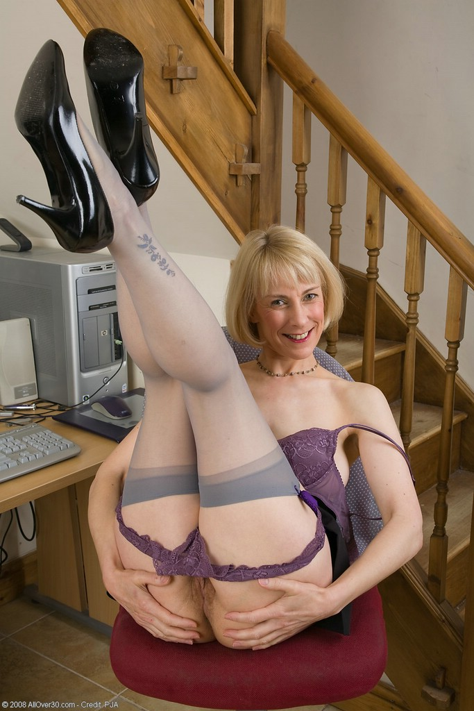 Think, that free mature secretary porn pics all