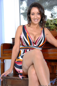 Anilos MILFs – Persia Monir Has The Most Perfect Tits Ever