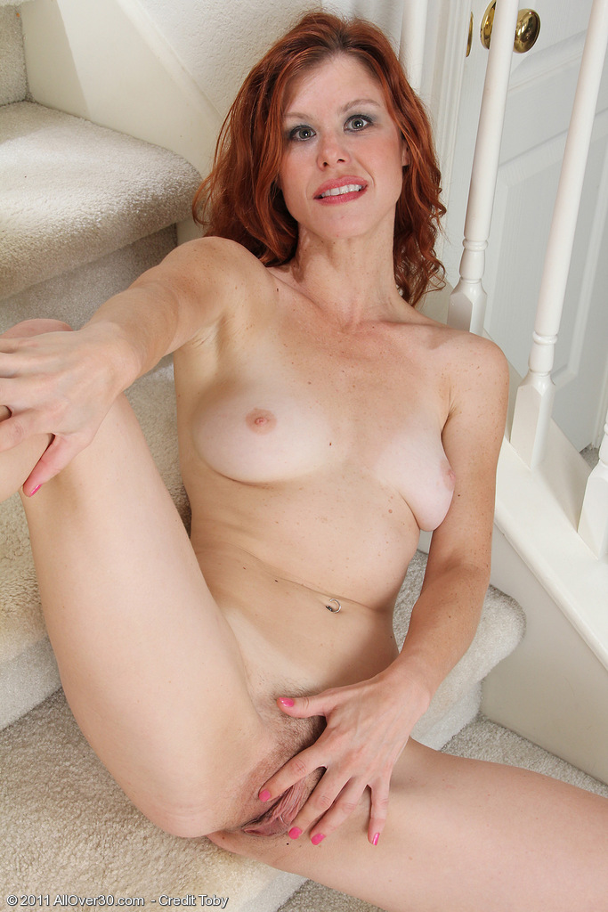 Nude strong milf