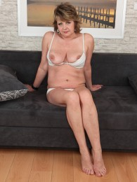 Nudes a poppin amateur