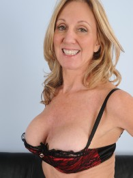 Mature and natural tits