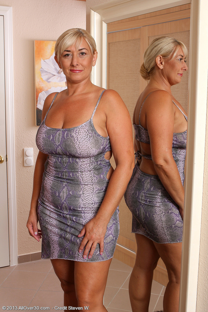Melyssa curvy mature
