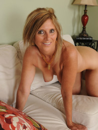 57 year old merilyn is still hungry for cock - 3 4