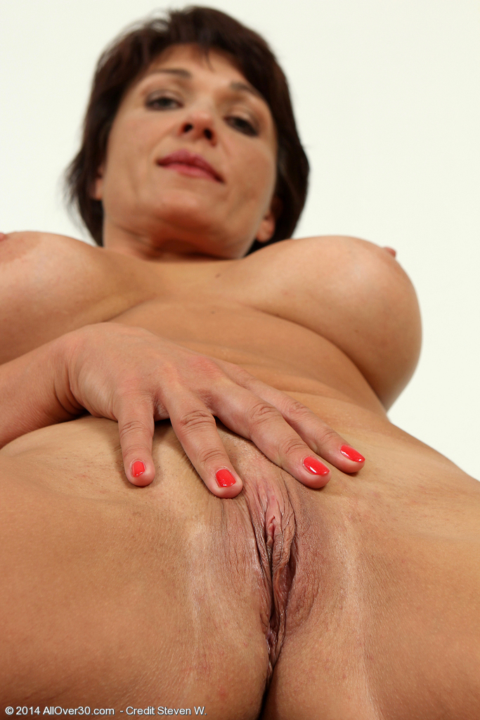 Alana luv is a hot new york milf 10