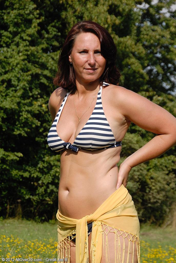 Sexy Mature nude Farmer