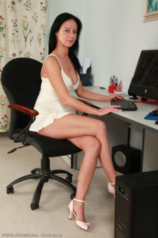 Horny housewife Enza from AllOver30 strips and shares all in here