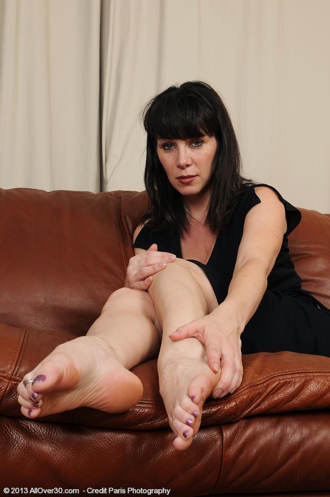 Difficult Mature women nude feet that