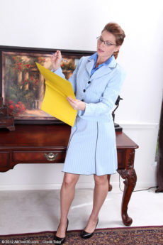Office MILF Sky Rodgers stops work to give us a fantastic strip tease