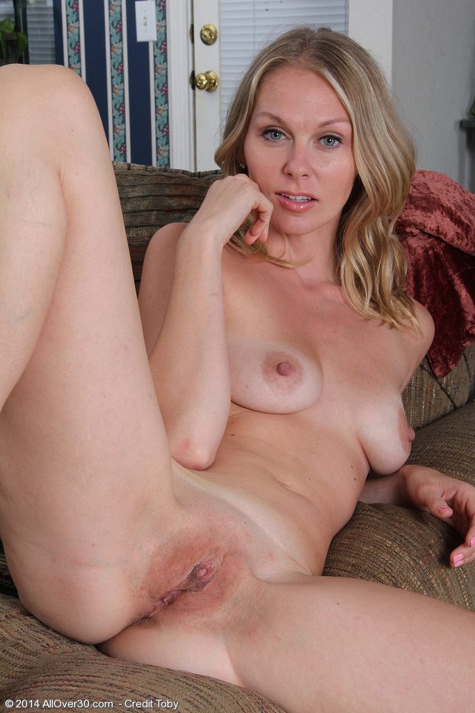 Milf secretary ria black takes a break from accounting Part 6 6