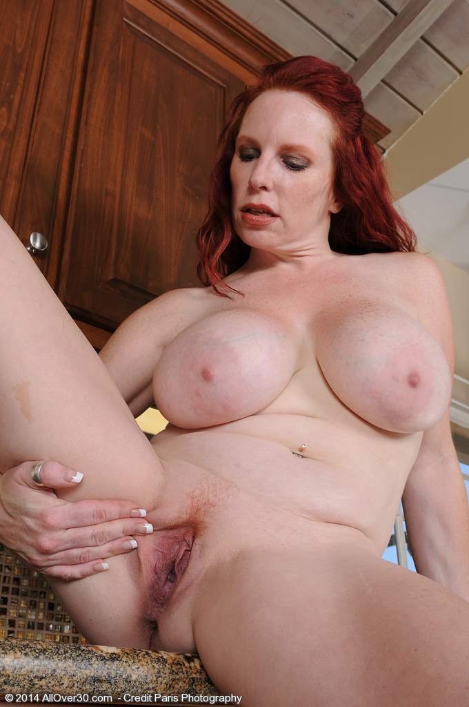 red head nude mom jpg 853x1280