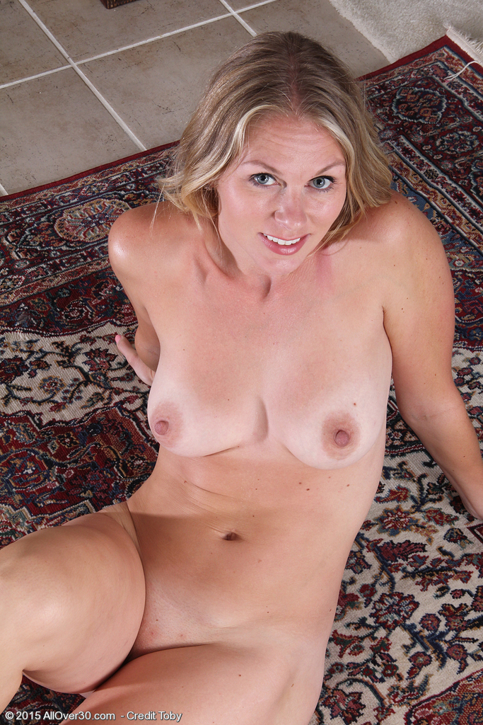 50 plus amateur wife spreads bold pussy 8