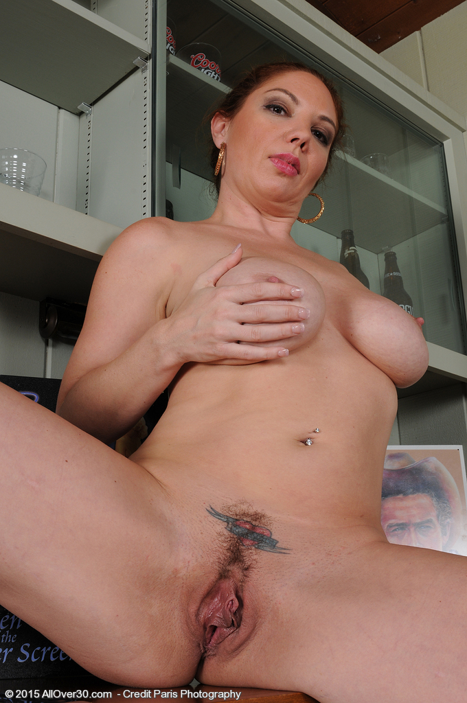 All natural blonde maggie green test out new dildo 3