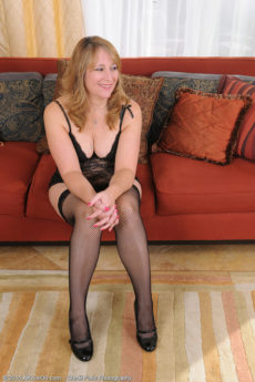 40+ housewife Catrina Costa looks stunning in her lingerie stockings and heels
