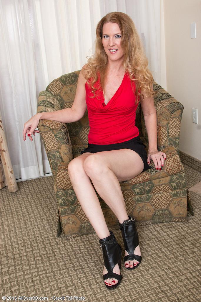 amateur housewife feet xxx