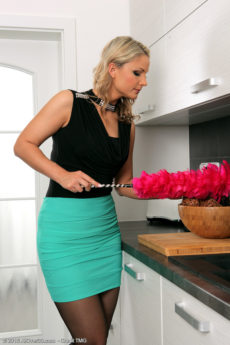 Holly B - Beautiful Holly B doing sexy housework