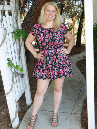 Curvy blonde MILF Zoey Tyler takes off her skirt outside to show her big tits and wet cunny
