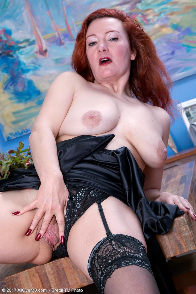 elegant-redhead-jessica-ohare6.jpg