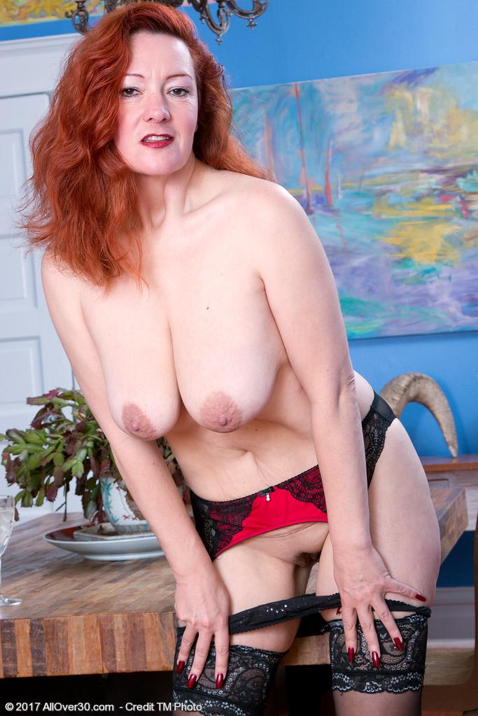 elegant-redhead-jessica-ohare8.jpg