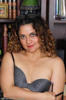 Naked singhala ladies photos
