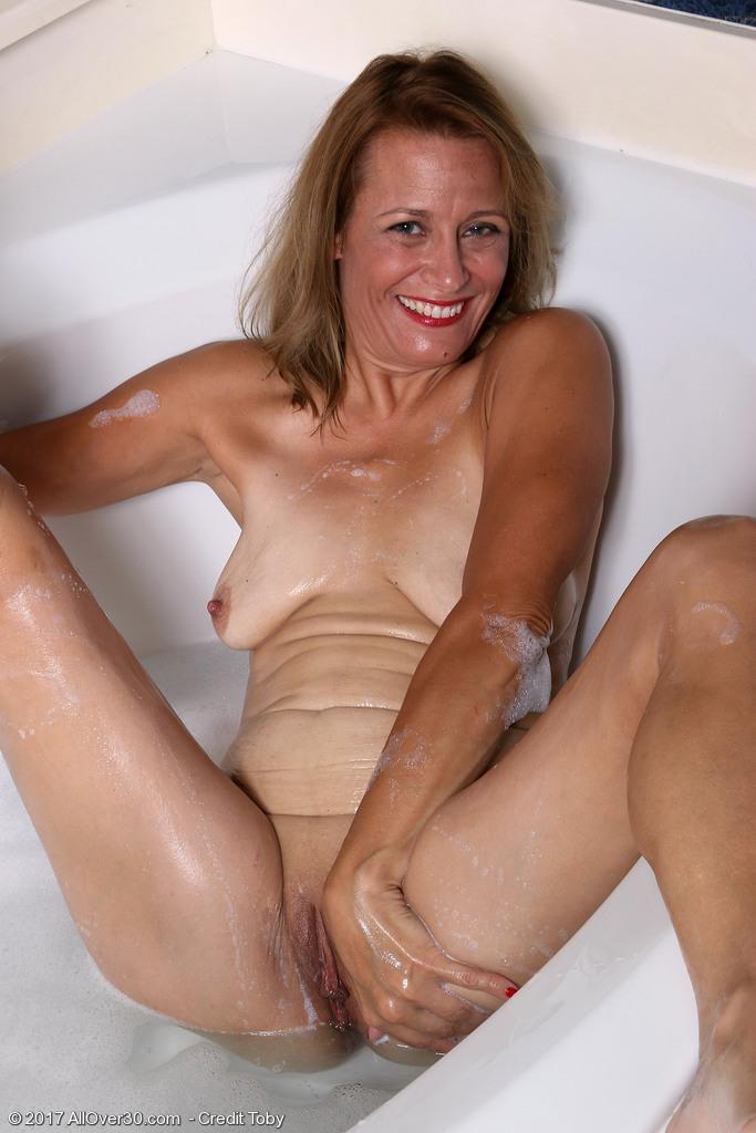 mature-housewife-jade-allan13.jpg