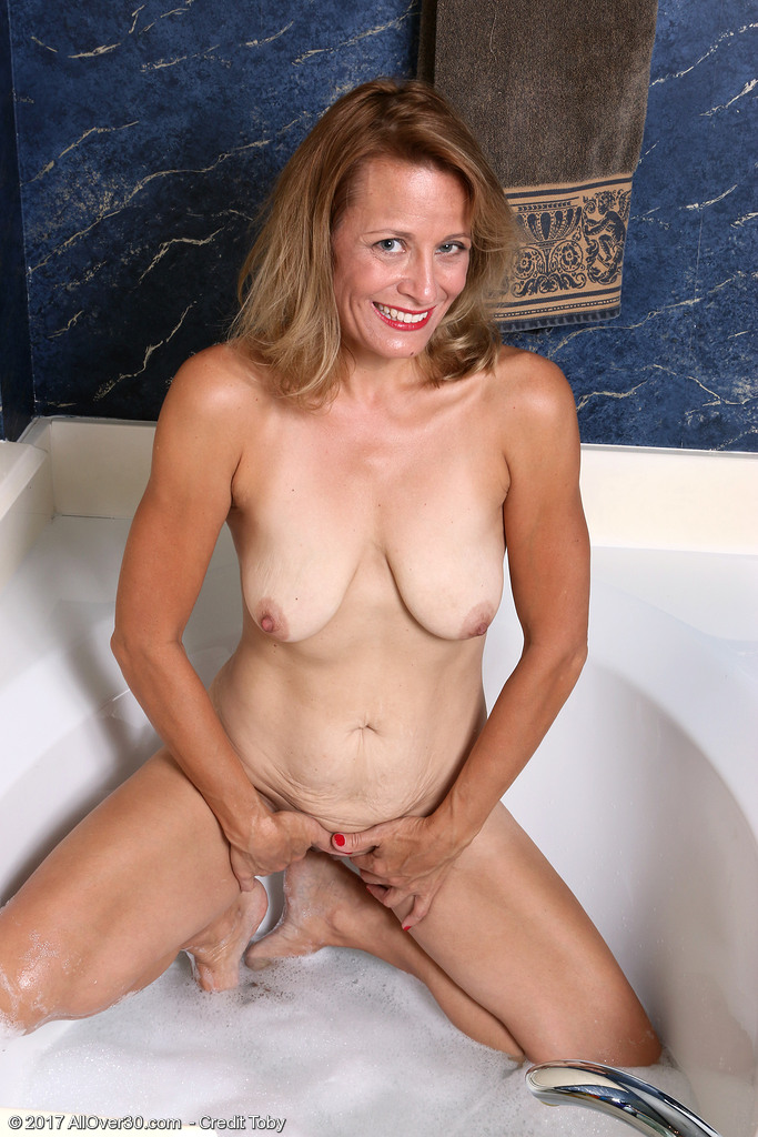 mature-housewife-jade-allan8.jpg