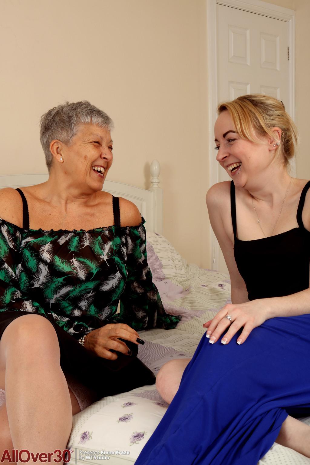 A december May lesbian fuck session between Kiana Kraze and Savana
