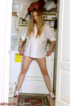 52 year old Phoebe Waters gets naked doing laundry