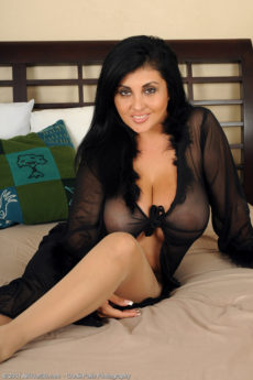 Busty 35 year old Jaylene rips off her pantyhose in hot black lingerie