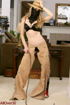 Skinny blonde MILF Ciel playing in a cowgirl costume