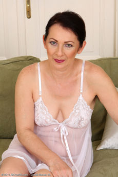 Hot 50 year old housewife Anna B showing off her furry pits and pussy
