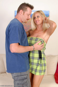 Gorgeous big breasted blonde MILF Tabitha takes a fully hard dick inside her