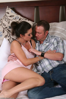 Tight MILF Stephanie Swift takes a nice cock hard and deep
